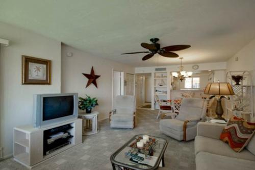 Runaway Bay #279 - Bradenton Beach, FL Vacation Rental