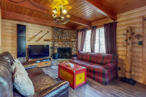 Sugar Me Sweet - Big Bear City, CA Vacation Rental