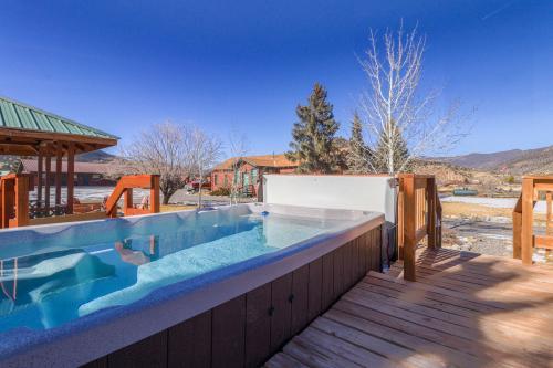 Lodge Cabins 6 & 7 -  Vacation Rental - Photo 1