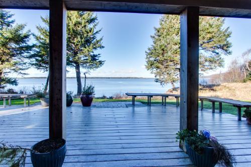 Bayfront Views -  Vacation Rental - Photo 1