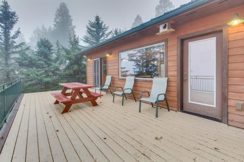 Wheeler's Flathead Lakehouse - Bigfork, MT Vacation Rental