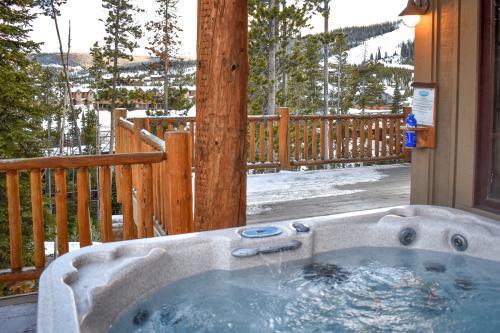Happy Trails Lodge -  Vacation Rental - Photo 1