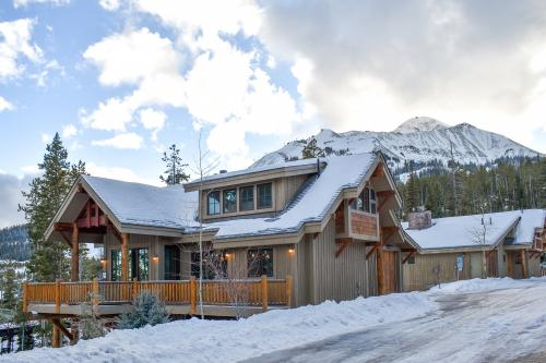 Happy Trails Lodge -  Vacation Rental - Photo 1