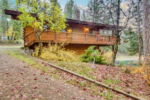 East Bass Lake Retreat - Kalispell, MT Vacation Rental
