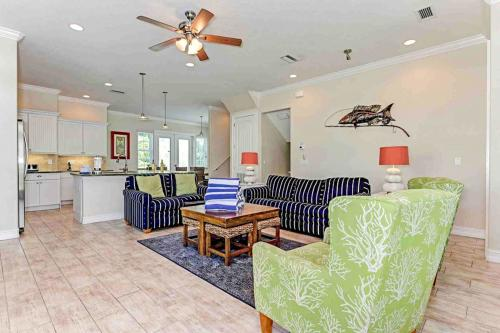 Beachy Villa Vista -  Vacation Rental - Photo 1