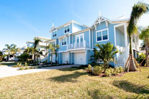 LaMedeira 305 Unit A - Holmes Beach, FL Vacation Rental
