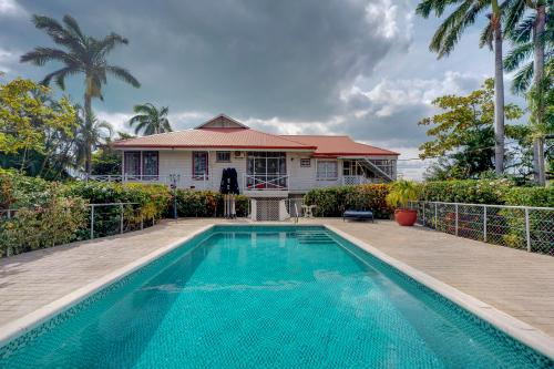 Large Cottage @ Harbour View - Belize City, Belize Vacation Rental
