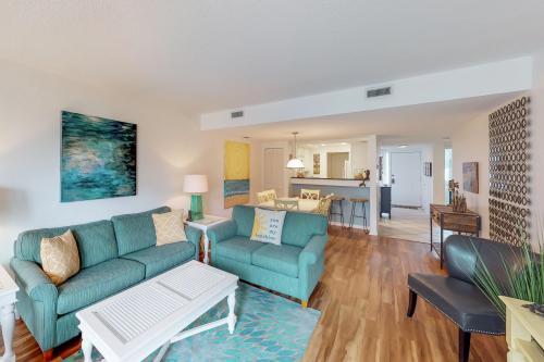 Shorewood 219  -  Vacation Rental - Photo 1