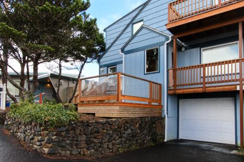 Blue Pacifica -  Vacation Rental - Photo 1