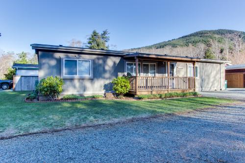 Lake Boulevard Retreat - Rockaway Beach, OR Vacation Rental