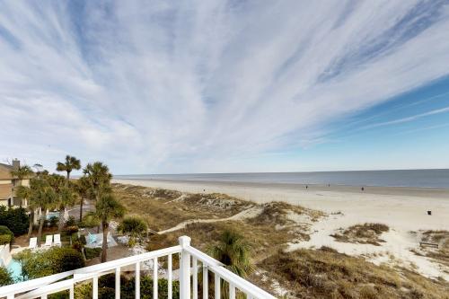 Hot Tin Roof -  Vacation Rental - Photo 1