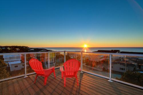 All Decked Out - Lincoln City Vacation Rental