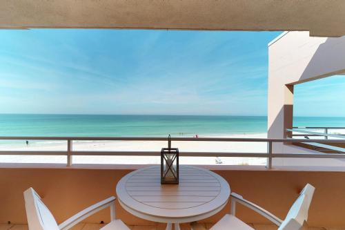 Coquina Beach Club 204 - Bradenton Beach, FL Vacation Rental