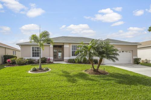 New Horizons Villa - Fort Myers, FL Vacation Rental