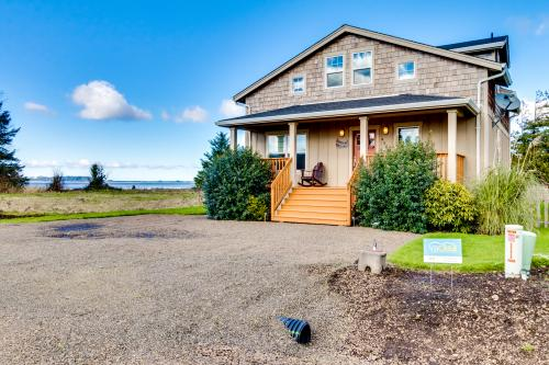 Bayside Cabin - Bay City, OR Vacation Rental