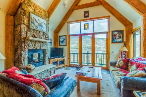 Treehouse Townhome in Summerwood - Dillon, CO Vacation Rental