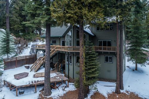 Yellow Lupin Lodge -  Vacation Rental - Photo 1