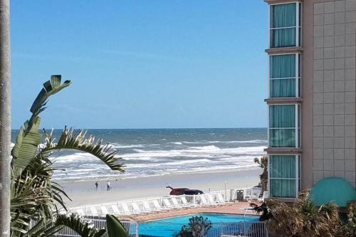 Atlantic View Studio - Daytona Beach, FL Vacation Rental