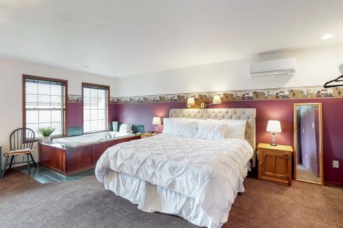 Hunter's Glen Cottage Suite -  Vacation Rental - Photo 1
