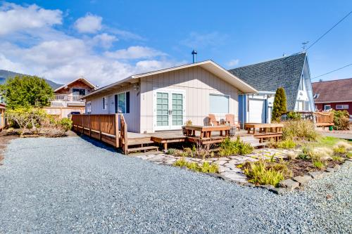 Oyster's Landing (MCA #328) -  Vacation Rental - Photo 1