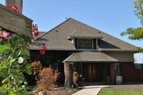 Hunter's Glen Cottage Suite -  Vacation Rental - Photo 1
