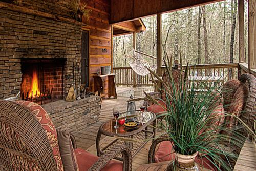 Jack Bear's Cabin - Blue Ridge, GA Vacation Rental