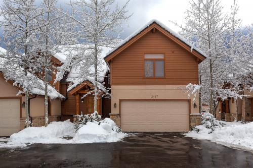 Deer Lake Village Townhouse - Park City Vacation Rental