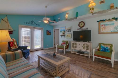 Colors Aplenty -  Vacation Rental - Photo 1