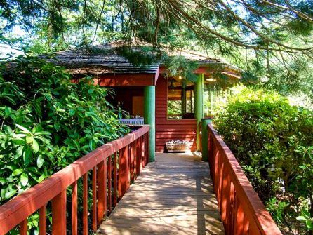 Oral Hull Retreat - Sandy Vacation Rental