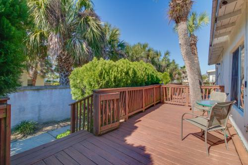 "Linda's Cozy Duplex ""A"" - Panama City Beach, FL Vacation Rental"