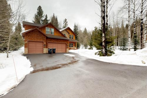 Lazy Bear Lodge -  Vacation Rental - Photo 1
