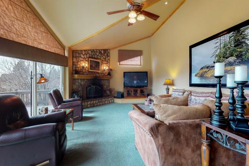 Arrowhead Vista -  Vacation Rental - Photo 1