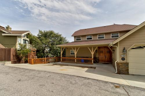 Northwest Lake View House - Lake Arrowhead, CA Vacation Rental