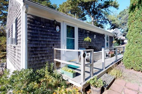 Beach Rose Guest Studio - Orleans, MA Vacation Rental
