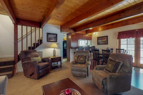 Bear Family Retreat -  Vacation Rental - Photo 1