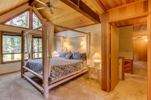 Black Butte Western Lodge w/WiFi & Hot Tub - Black Butte Ranch Vacation Rental