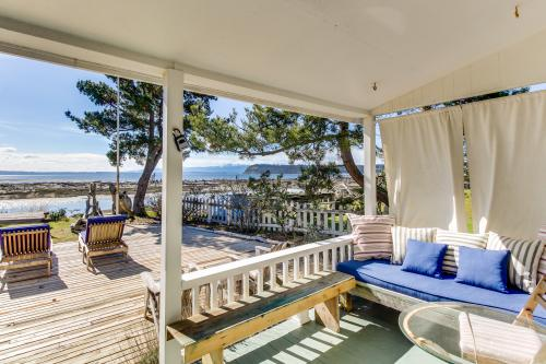 Sunlight Beach Outdoor Escape -  Vacation Rental - Photo 1