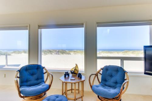 Oleg Potts Beach House - Waldport, OR Vacation Rental
