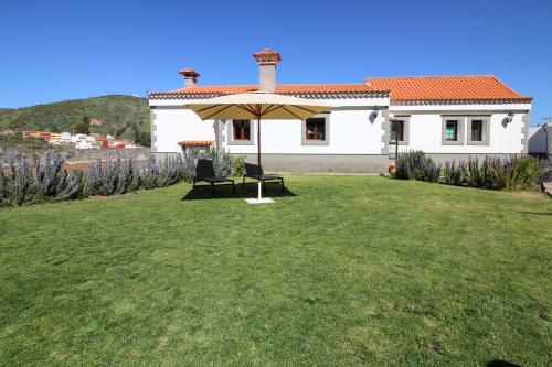Villa Baez - Vega de San Mateo, Spain Vacation Rental