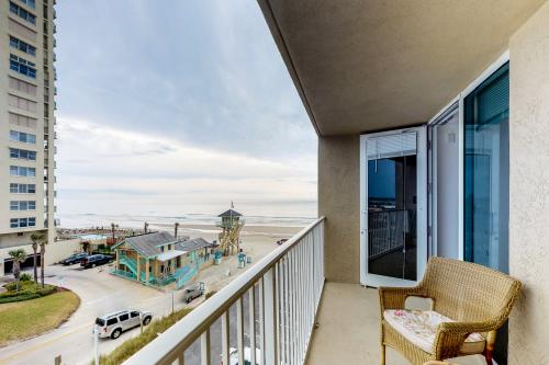 Best Beach Getaway - Daytona Beach Shores, FL Vacation Rental