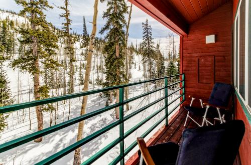 Giant Steps #82 - Vasels Chalet -  Vacation Rental - Photo 1