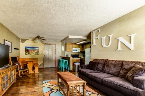 Mor Mountain Fun -  Vacation Rental - Photo 1