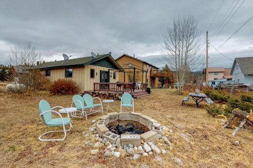 Shadow Mountain Lake Cozy Cabin - Grand Lake, CO Vacation Rental