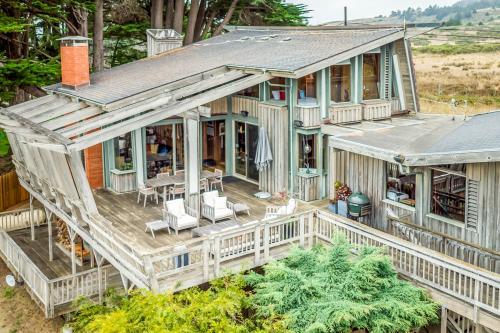 Elk Mid-Century - Main House -  Vacation Rental - Photo 1