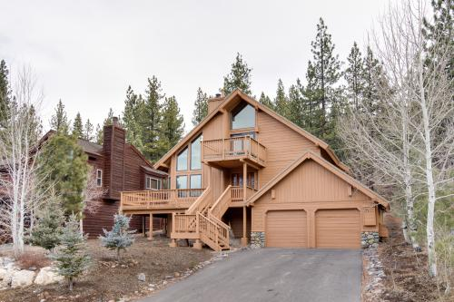 Skidder's Lair-Pet Friendly - Truckee Vacation Rental