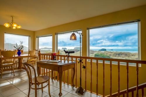 Jetty House - Bandon, OR Vacation Rental