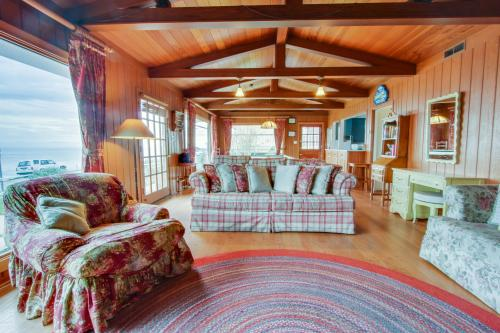 Sunny Cove Retreat - Santa Cruz, CA Vacation Rental