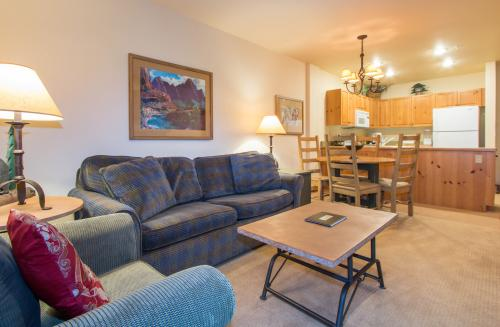 Expedition Station 8612 -  Vacation Rental - Photo 1