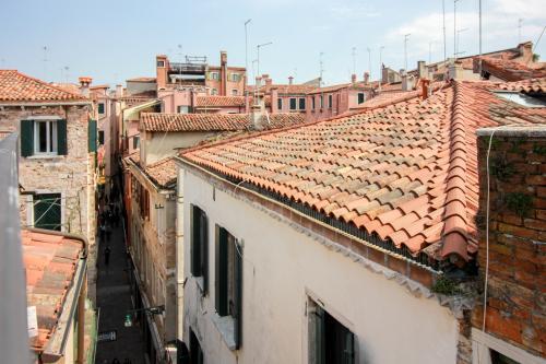 apartment Querini - Venice, Italy Vacation Rental
