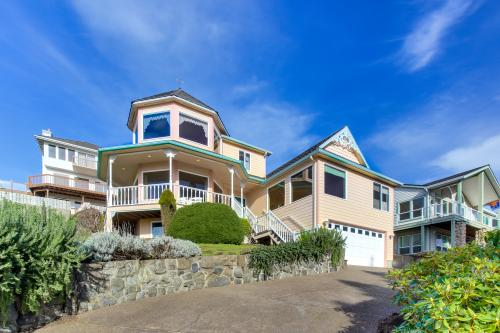 Victorian By The Sea - Lincoln City Vacation Rental